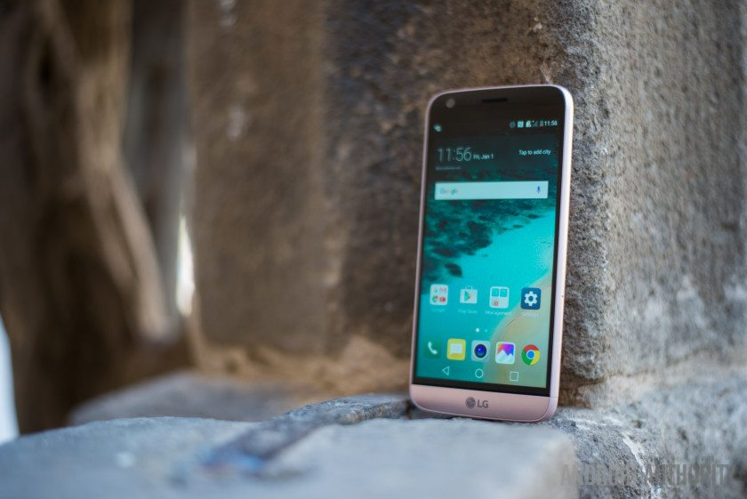 top 5 reasons to buy LG G5